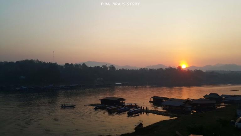 เช้า พระอาทิตย์ขึ้น สะพานมอญ ที่เที่ยวสังขละบุรี