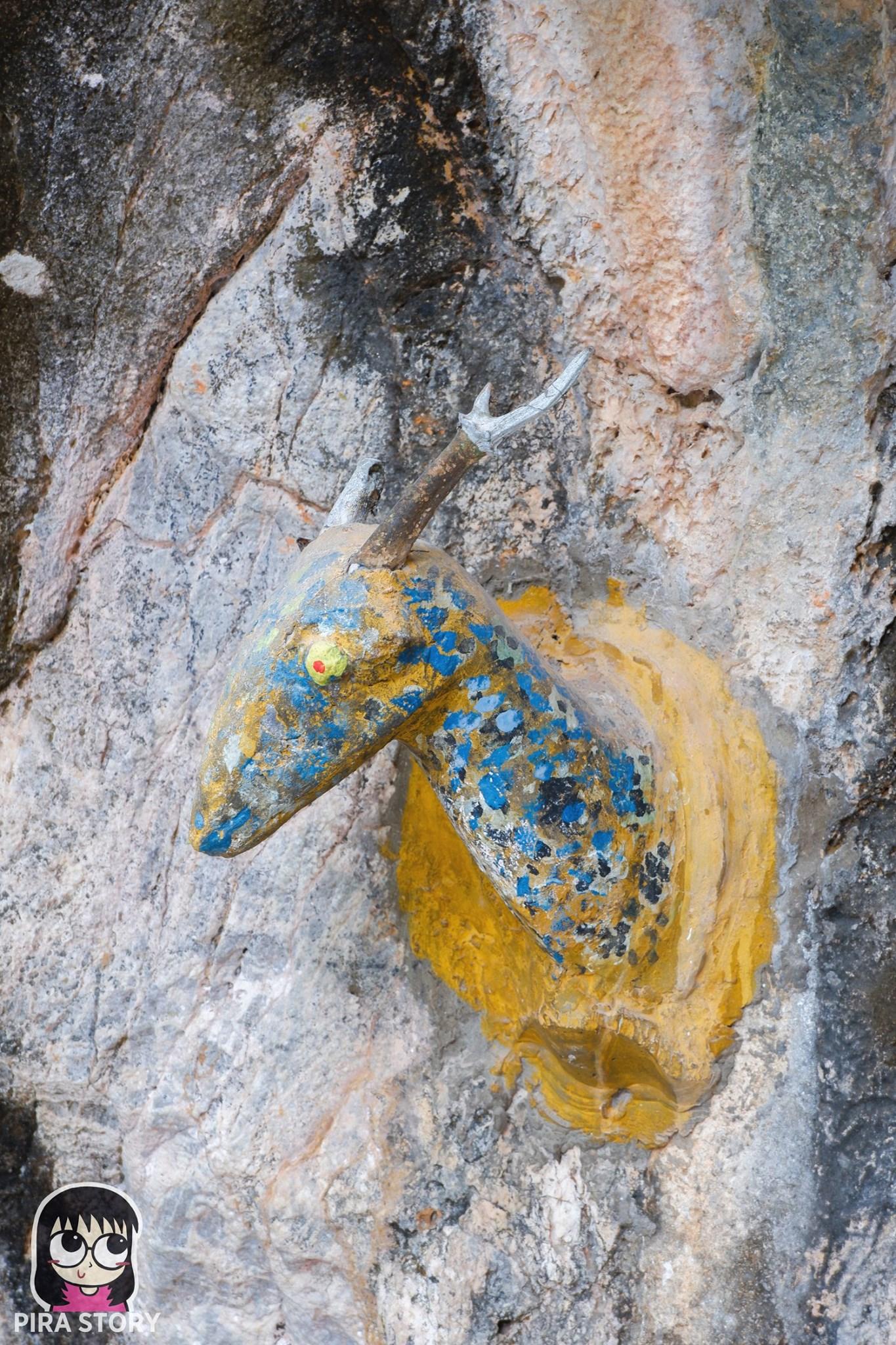 เที่ยวเพชรบุรี เที่ยวไทย ปูนปั้น เทวดา ยักษ์ เทพเจ้า ถ้ำโบสถ์โบราณ อยุธยา พระนเรศวร ชะอำ เพชรบุรี