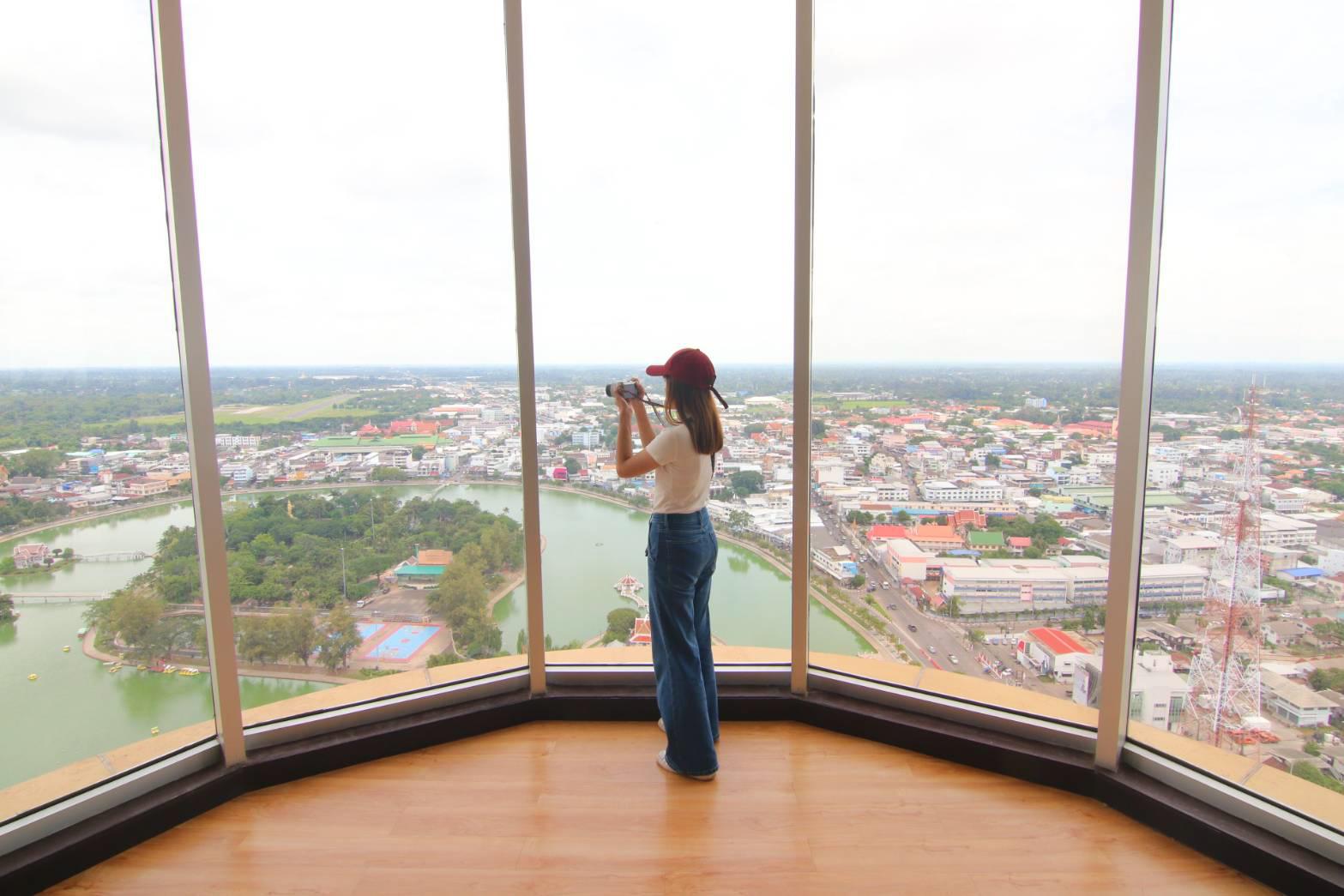 หอโหวด ๑๐๑ Roi Et Tower หอโหวด101 หอโหวด๑๐๑  ร้อยเอ็ด ทาวเวอร์ เที่ยวร้อยเอ็ด ที่เที่ยว ที่เที่ยวร้อยเอ็ด เที่ยวร้อยเอ็ดที่ไหนดี แลนมาร์ค เครื่องดนตรี บึงพลาญชัย